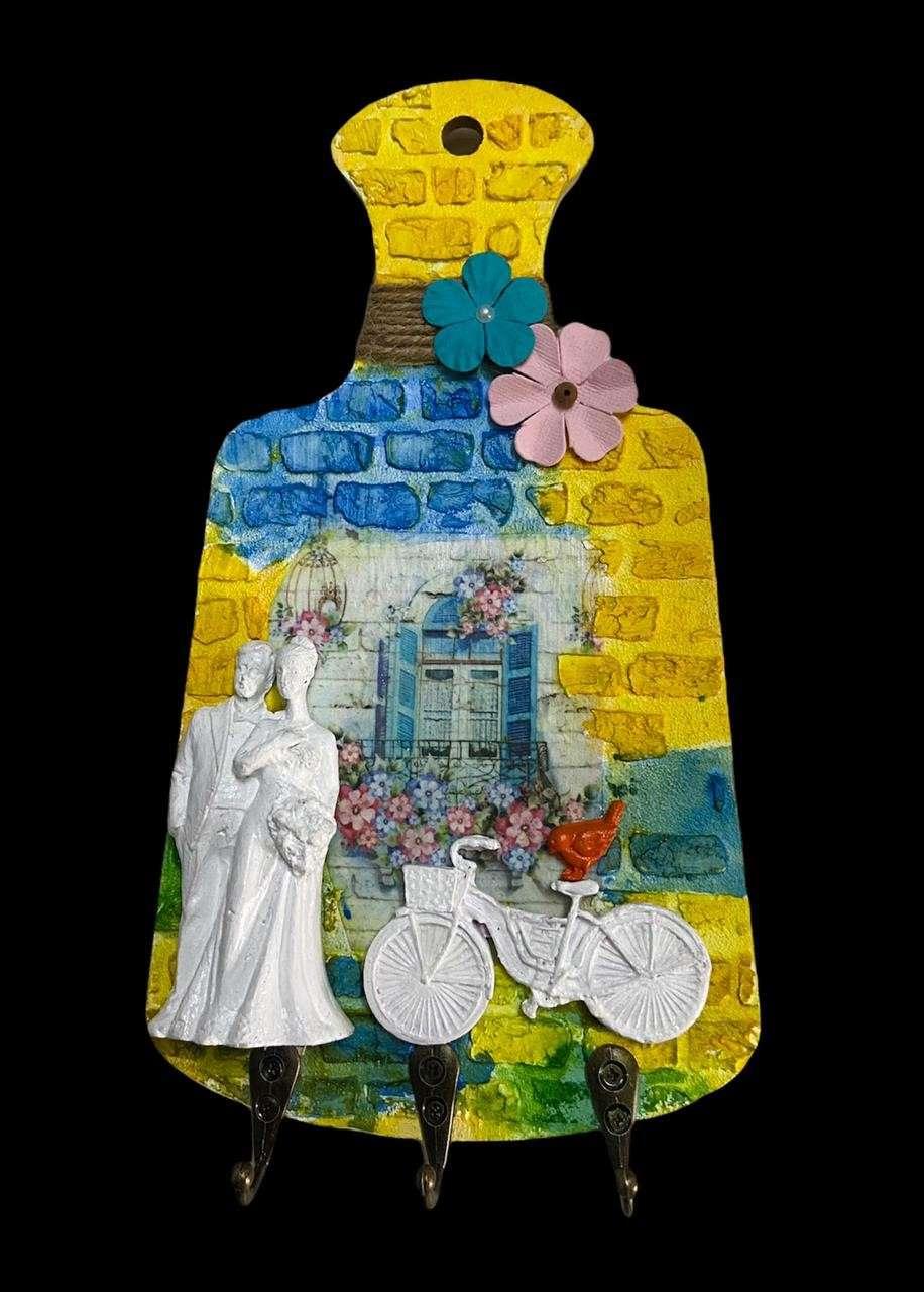 Couple-themed Key Holder