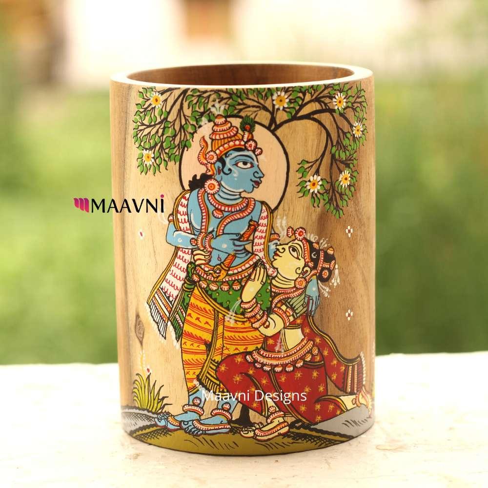 Radha Sitting At Krishna Feet  Painting Brush Stand