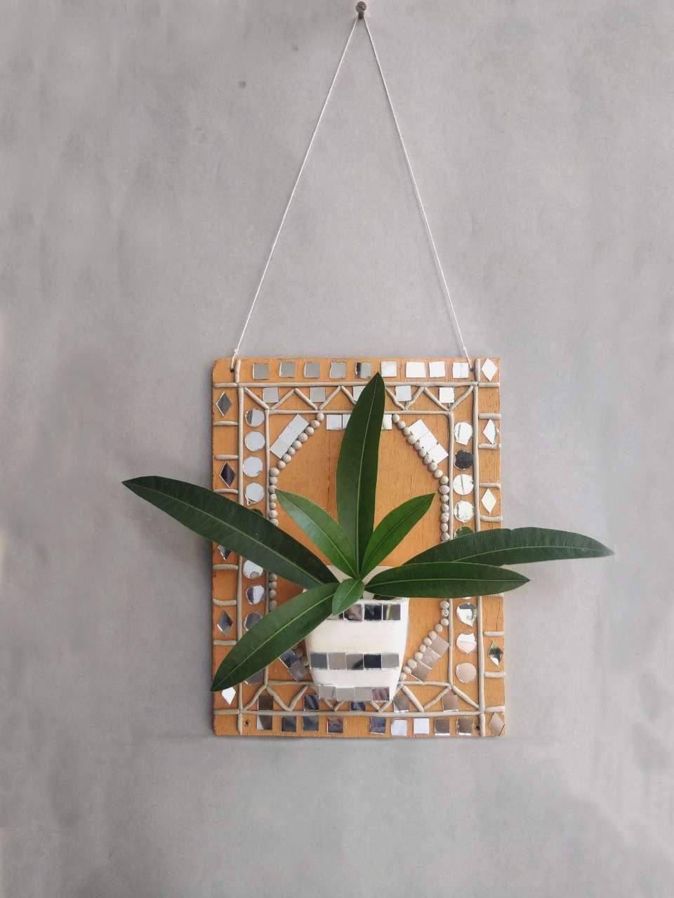 Lippan Frame Planter