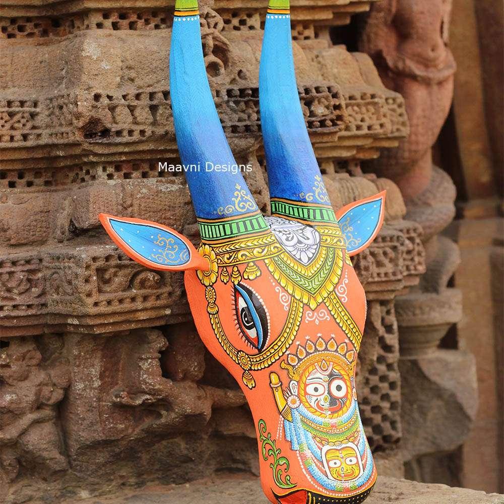 Wood Cow Head Jagganath 16 Inches